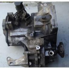 Коробка передач 5 ти  ступка  . Механика  VW PASSAT B3
